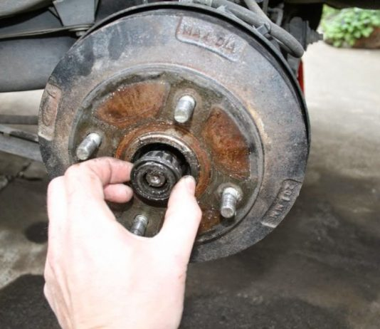 Bearing-Roda-Depan-Mobil